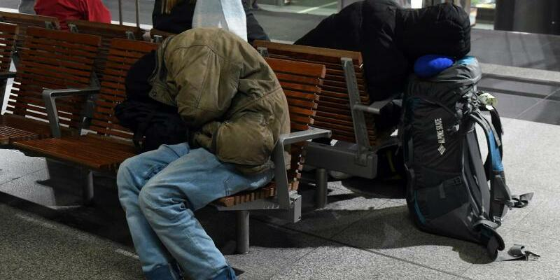 Schlaf auf dem Hauptbahnhof - Foto: Maurizio Gambarini