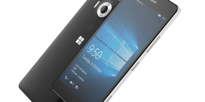Lumia 950 - Foto: Auch die Milliarden-Übernahme der Handy-Sparte des einstigen Weltmarktführers Nokia brachte keine nennenswerten Marktanteile für Windows Mobile 10. Foto:Microsoft