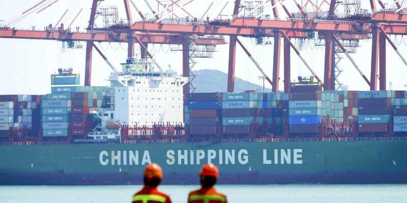 Containerschiff - Foto: CHINATOPIX/AP