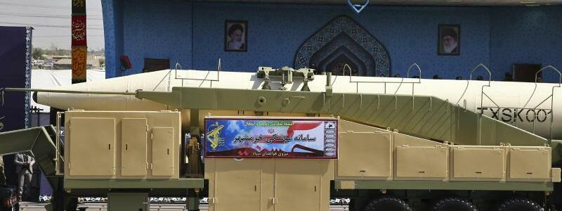 Militärparade im Iran - Foto: Ebrahim Noroozi