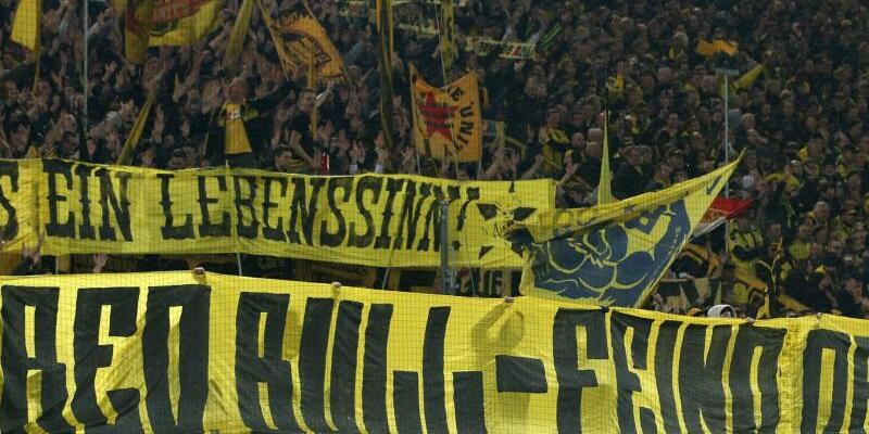 BVB-Plakat - Foto: Friso Gentsch