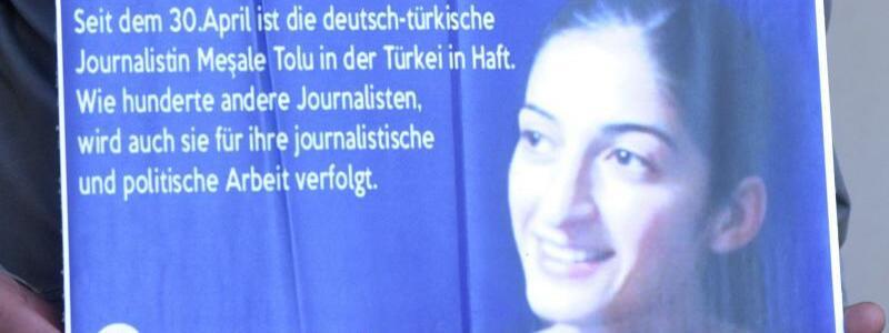 Mesale Tolu Corlu - Foto: Auch die Übersetzerin und Journalistin Mesale Tolu sitzt seit über fünf Monaten in der Türkei in Haft. Foto:Stefan Puchner
