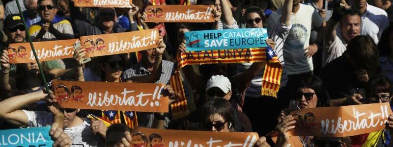 Krise in Katalonien - Foto: Santi Palacios
