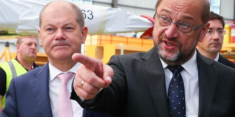 Olaf Scholz und Martin Schulz - Foto: Christian Charisius