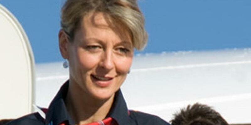 Carola Fietz - Foto: Flugbegleiterin Carola Fietz arbeitete seit 1994 bei Air Berlin. Foto:Air Berlin