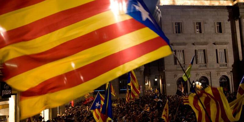 Puigdemont wird abgesetzt - Foto: Jordi Boiyareu