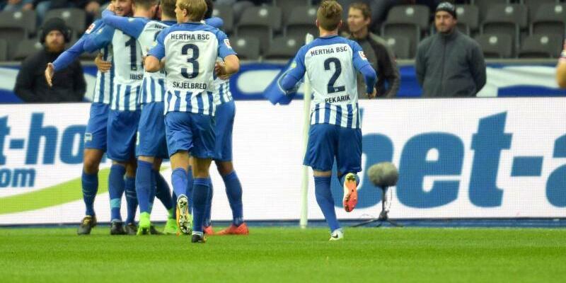 Hertha BSC - Hamburger SV - Foto: Axel Heimken