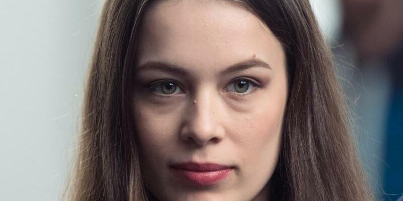 Paula Beer - Foto: Für ihre Rolle in dem Drama «Frantz» ist die Schauspielerin Paula Beer beim Filmfestival in Sevill nominiert worden. Foto: