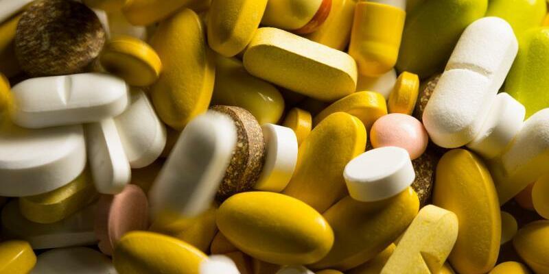 Medikamente - Foto: Knapp 62000 Mal soll ein Apotheker Krebsmedikamente gepanscht und so allein die gesetzlichen Krankenkassen um 56 Millionen Euro betrogen haben. Foto:Friso Gentsch