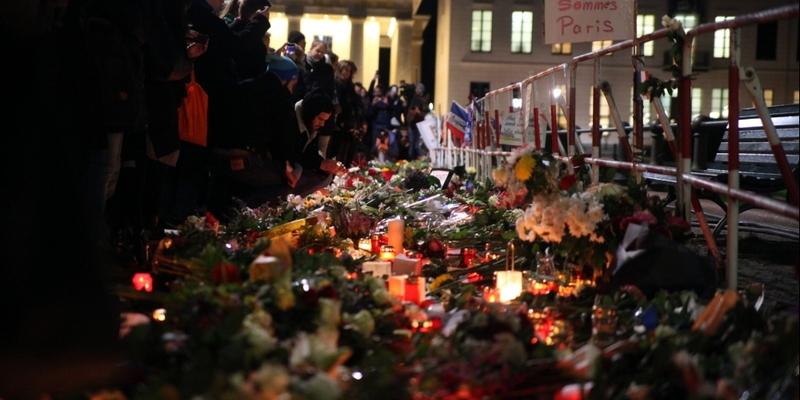 Blumenmeer vor der Französischen Botschaft - Foto: über dts Nachrichtenagentur
