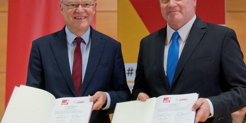 Koalitionsvertrag SPD und CDU in Niedersachsen - Foto: Julian Stratenschulte