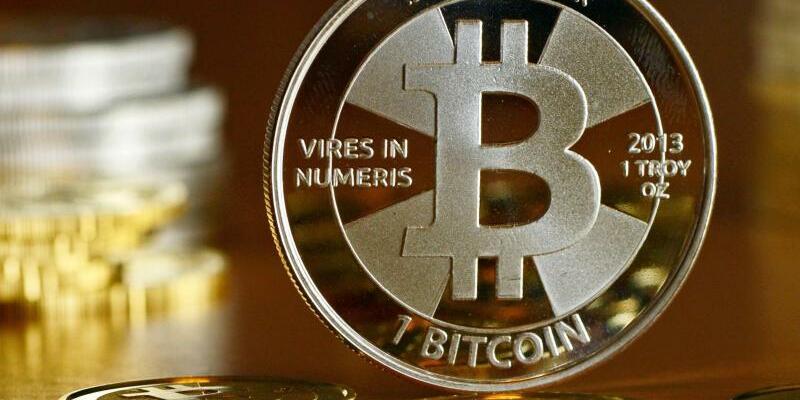 Bitcoin-Münzen - Foto: Jens Kalaene