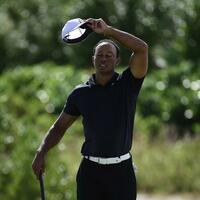 Tiger Woods - Foto: US-Golfer Tiger Woods hat sich beim Turnier auf den Bahamas auf Rang fünf gespielt. Foto:Dante Carrer