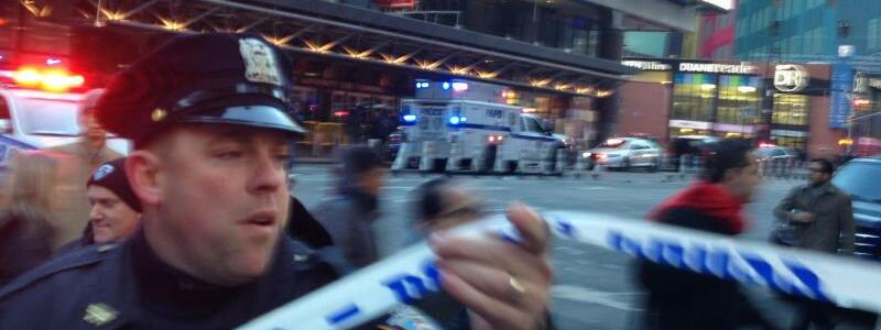 Explosion nahe Time Square - Foto: Charles Zoeller