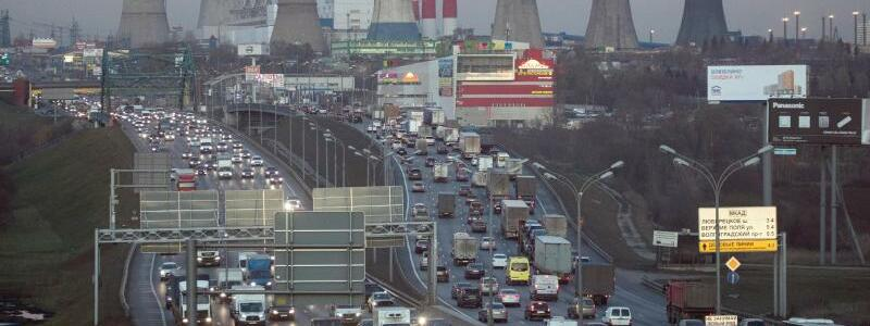 Verkehr in Moskau - Foto: Pavel Golovkin