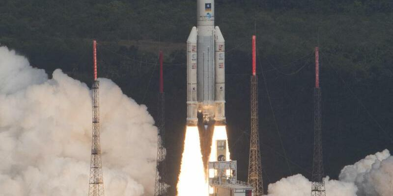 Ariane 5 startet in Kourou - Foto: Stephane Corvaja/Archiv