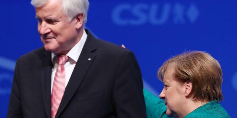 CSU-Parteitag - Foto: Schwierige Partnerschaft: Angela Merkel und CSU-Chef Horst Seehofer beim Parteitag der Christsozialen. Foto:Daniel Karmann