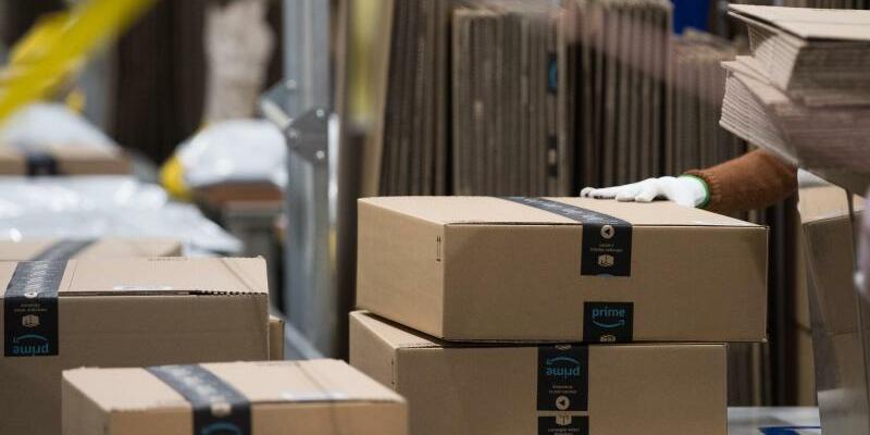 Amazon-Pakete - Foto: Swen Pförtner