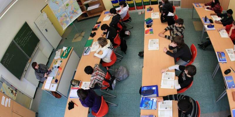 Schüler - Foto: Der «Ländermonitor berufliche Bildung 2017» betrachtet die Ausbildungssituation in Deutschland zwischen 2007 und 2015. Foto:Julian Stratenschulte