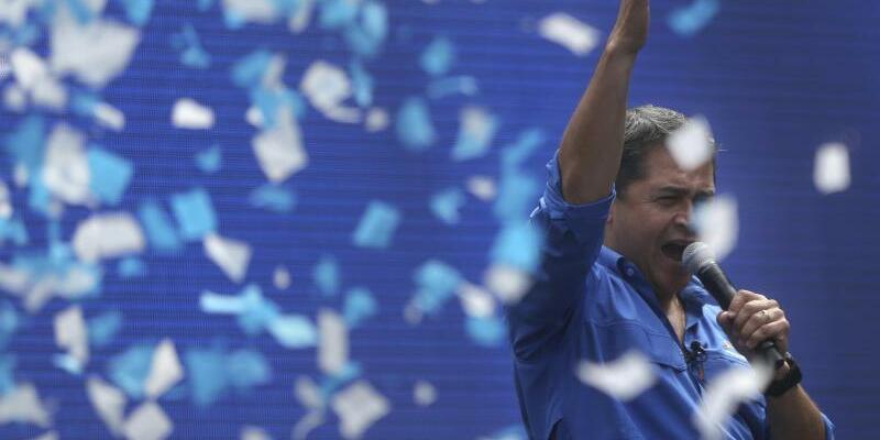 Juan Orlando Hernández - Foto: Nach wochenlangen Unruhen hat die oberste Wahlbehörde Hernández zum Sieger erklärt. Foto:Rodrigo Abd