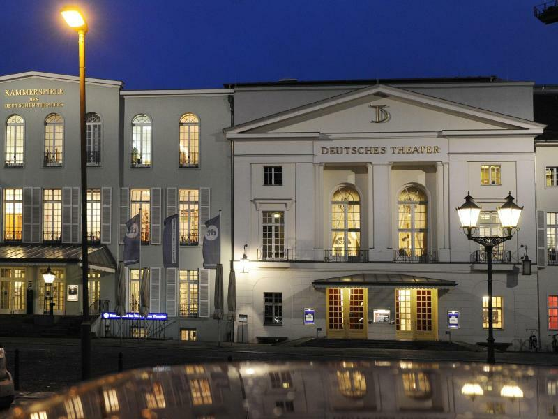 Deutsches Theater Berlin - Foto: Jens Kalaene/dpa-Zentralbild