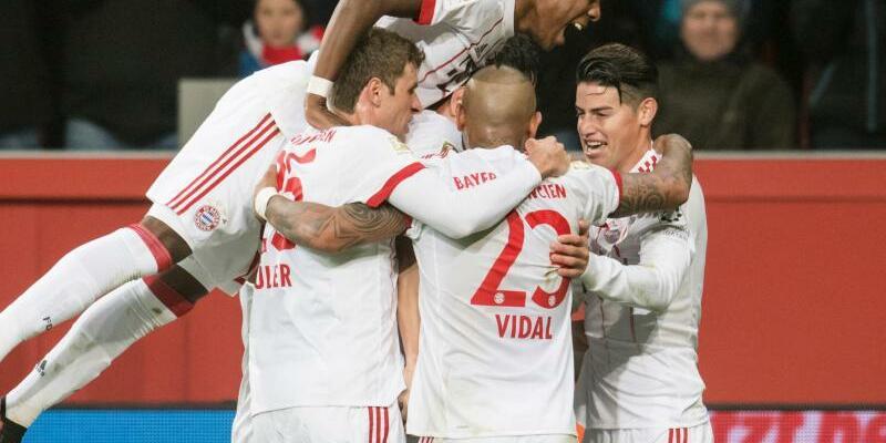 FC Bayern dominant - Foto: Bernd Thissen
