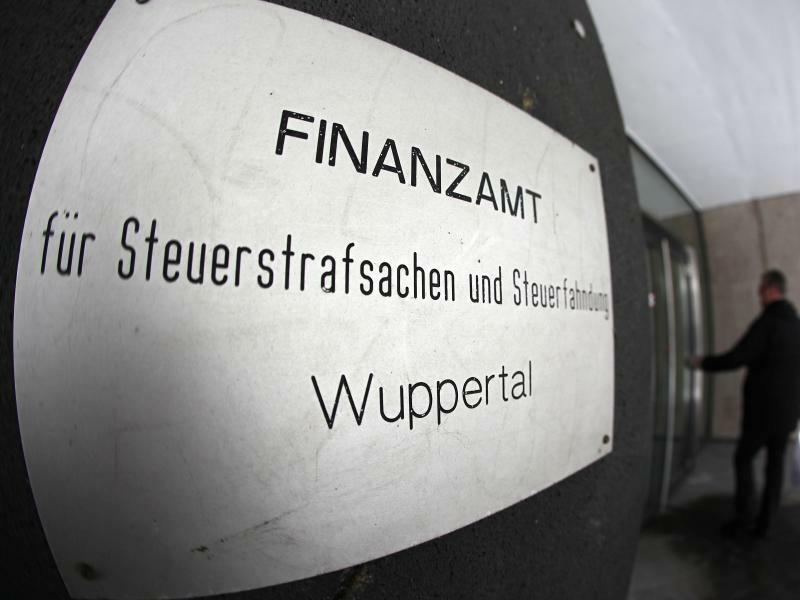 Wuppertaler Finanzamt. - Foto: Zwei Spitzenkräfte verlassen das Wuppertaler Finanzamt. Foto:Oliver Berg