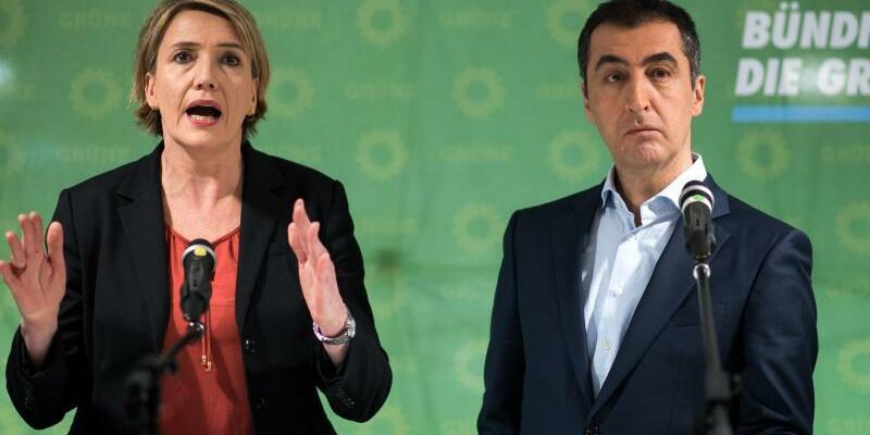 Simone Peter und Cem Özdemir - Foto: Bernd von Jutrczenka