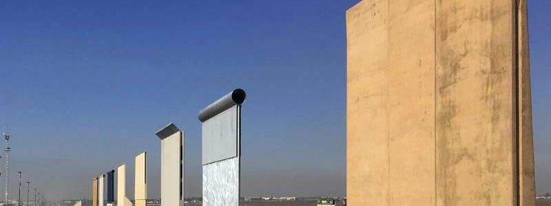 Geplante Grenzmauer - Foto: Elliott Spagat