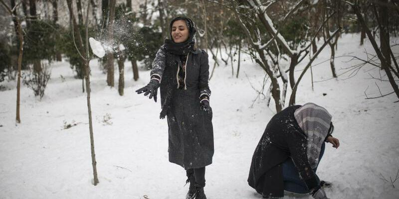 Winterwetter in Teheran - Foto: Ahmad Halabisaz