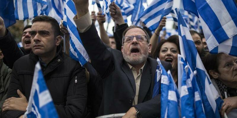 Großdemo in Athen - Foto: Socrates Baltagiannis