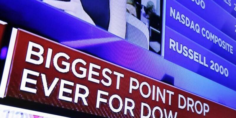 Wall Street - Foto: «Größter Punktabfall aller Zeiten für Dow»: An der Wall Street ist zum Wochenstart Panik ausgebrochen. Foto:Richard Drew
