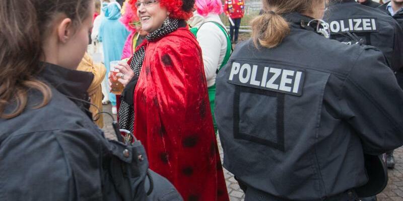 Sicherheit im Karneval - Foto: Frank Rumpenhorst