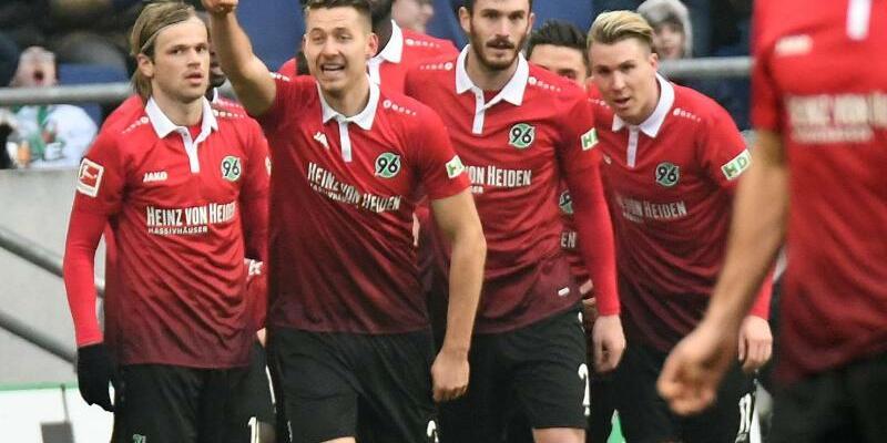 Hannover 96 - SC Freiburg - Foto: Peter Steffen