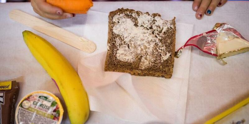 Frühstück in der Schule - Foto: Sophia Kembowski/Illustration