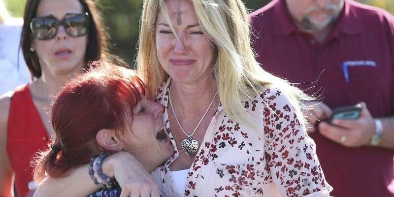Schüsse an Schule in Florida - Foto: Joel Auerbach/AP