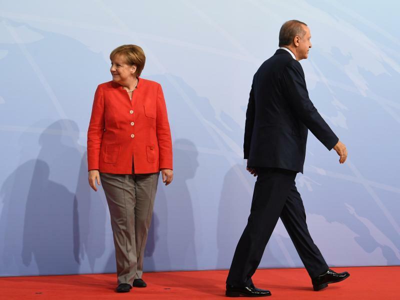 Merkel und Erdogan - Foto: Bernd von Jutrczenka