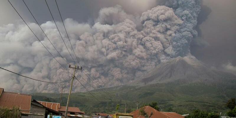 Vulkan Sinabung - Foto: Tausende Menschen mussten ihre Häuser in der Nähe des Vulkans verlassen. Foto:Endro Rusharyanto