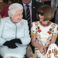 Die Queen auf der Fashion Week - Foto: Yui Mok