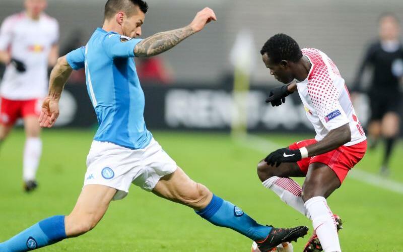 RB Leipzig - SSC Neapel - Foto: Neapels Christian Maggio (l) versucht den Leipziger Bruma vom Ball zu trennen. Foto:Jan Woitas
