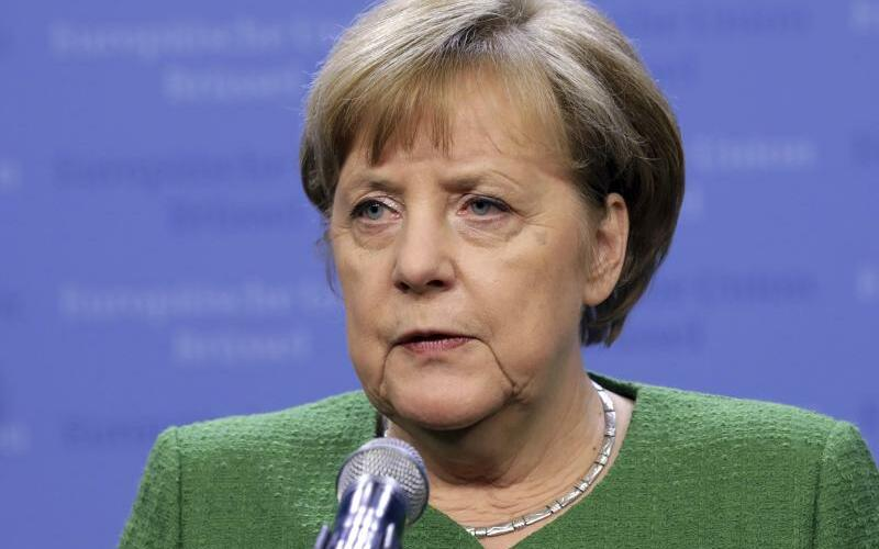 Merkel in Brüssel - Foto: Olivier Matthys/AP