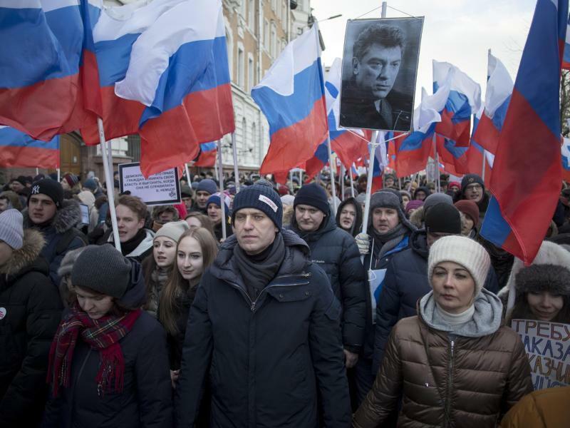 Gedenken an Boris Nemzow - Foto: Alexander Zemlianichenko/AP