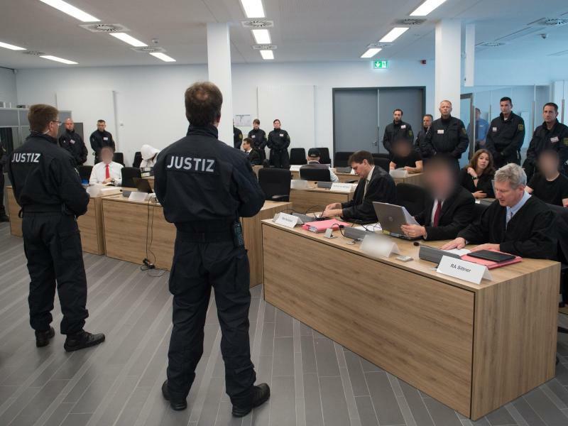 Im Gerichtssaal - Foto: Sebastian Kahnert