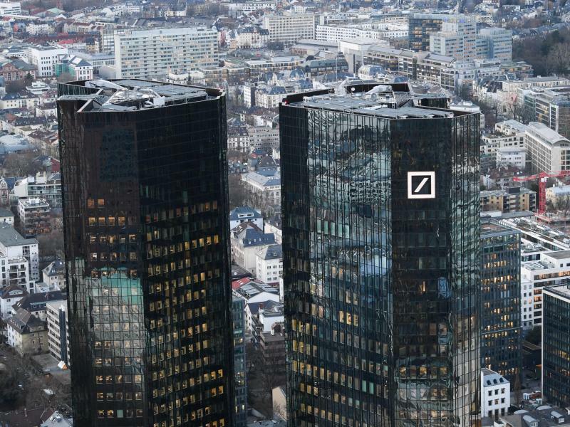 Deutsche Bank in Frankfurt - Foto: Arne Dedert