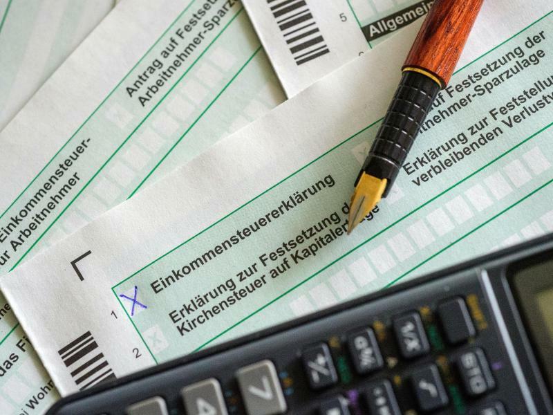 Steuererklärung - Foto: Hans-Jürgen Wiedl/Archiv