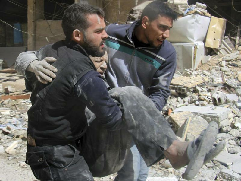 Konflikt in Syrien - Foto: /Syrian Civil Defense White Helmets/AP
