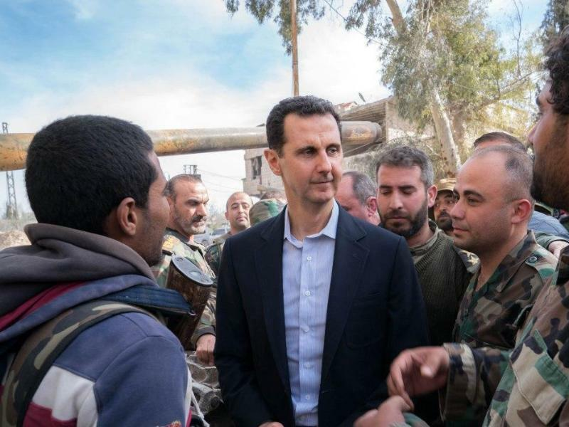 Assad besucht Truppen - Foto: Syrian Presidency/XinHua