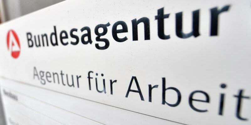 Arbeitsagentur in Halle - Foto: Hendrik Schmidt/Archiv