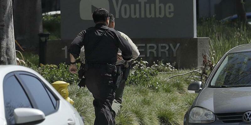Frau schießt in Youtube-Zentrale um sich - Foto: Jeff Chiu/AP
