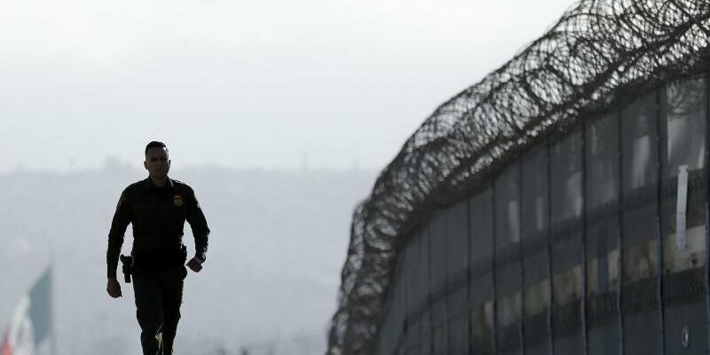 Grenze zwischen USA und Mexiko - Foto: Gregory Bull/AP/Archiv